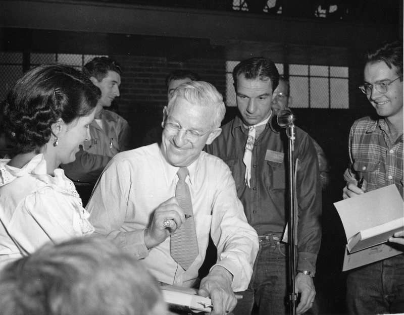 L Shaw signing autographs2.jpg
