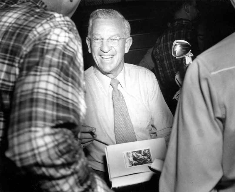 Pappy signing autographs.jpg