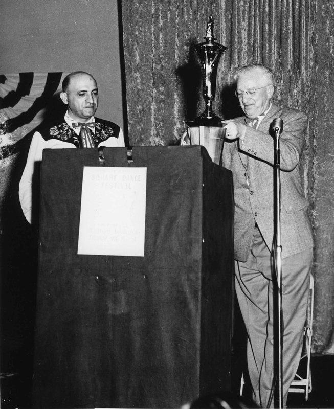 L Shaw receiving award #2