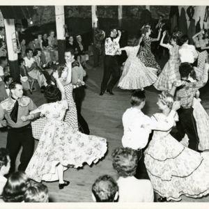 M123_Square_Dancers_035_result.jpg