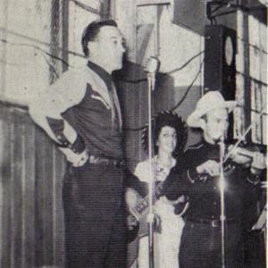 Fenton Jonesy Jones at mike 1951.jpg